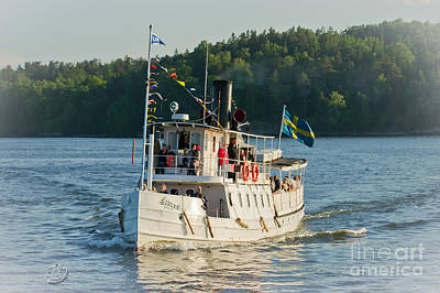 Steamboat Photograph - S/s Ejdern by Torbjorn Swenelius