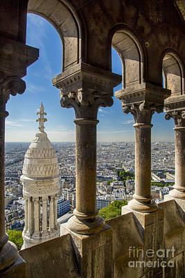 Sacre Coeur Photograph - Sacre Coeur View by Brian Jannsen