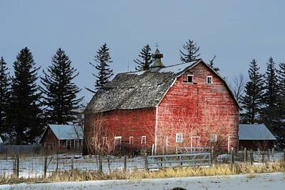 Photograph - Saggin Roof by Bonfire Photography