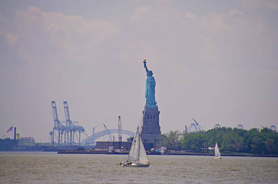 New York Photograph - Sailing In New York by Bill Cannon