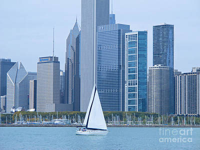 Amy Weiss - Sailing Past Chicago by Ann Horn