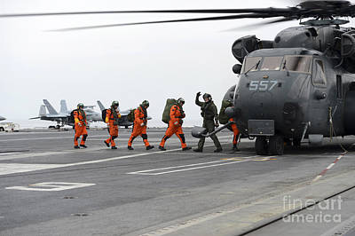 Sailors Board An Mh-53e Sea Dragon Art Print