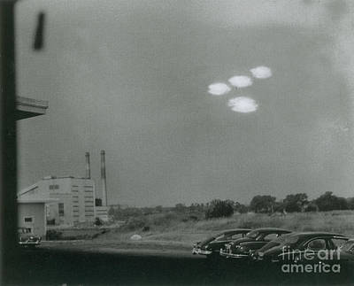 Photograph - Salem Ufo Sighting, 1952 by Science Source
