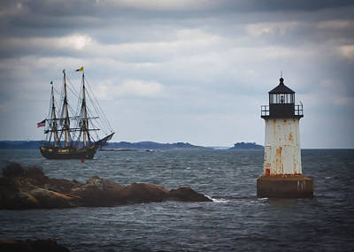 Photograph - Salem's Friendship Sails Past Fort Pickering Lighthouse by Jeff Folger