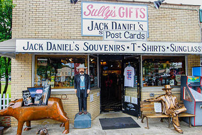 Photograph - Sully's Gifts by Robert Hebert