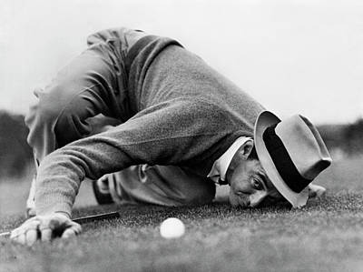 Photograph - Sam Snead Gets Down by Underwood Archives