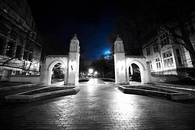 Iu Sample Gates At Night Original by Matailong Du