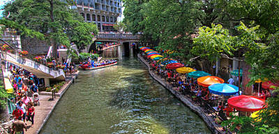 Photograph - San Antonio Riverwalk by Robert Bellomy