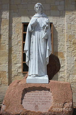 Photograph - San Antonio Statue by Carol Groenen