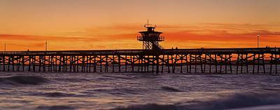 San Clemente Municipal Pier In Sunset Art Print by Richard Cummins