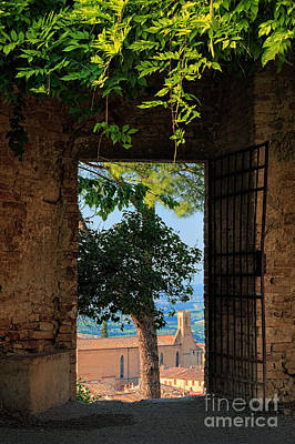 Tuscan Hills Photograph - San Gimignano Door by Inge Johnsson