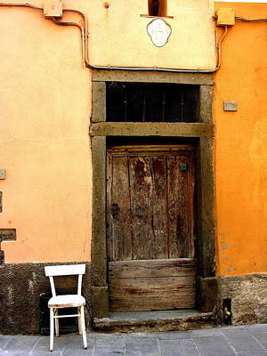 Photograph - San Gimignano Tuscany Chair And Door by Jacqueline M Lewis