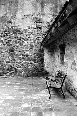 Photograph - San Juan Courtyard Bw by Mary Bedy
