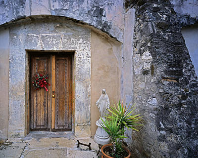 Photograph - San Juan Door by Tom Daniel
