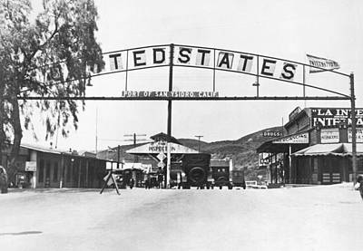 Tijuana Photograph - San Ysidro Border Crossing by Underwood Archives