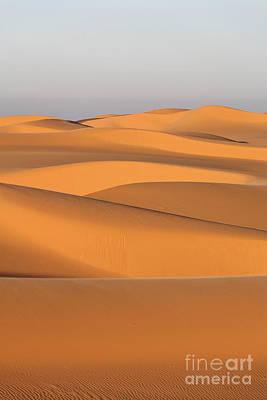 Sand Dunes In The Sahara Desert Art Print by Robert Preston