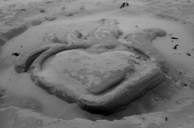 Photograph - Sand Heart On Fire by Amanda Holmes Tzafrir