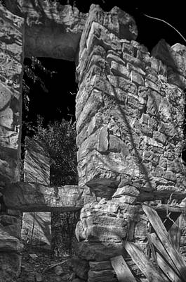 Sandstone Photograph - Sandstone Arch Jerome Black And White by Scott Campbell