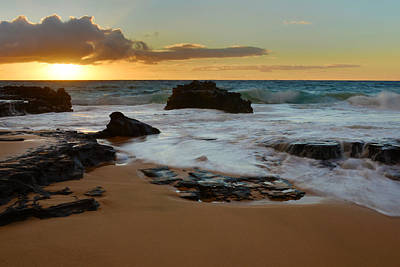 Sandy Beach Sunrise 7 - Oahu Hawaii Art Print by Brian Harig