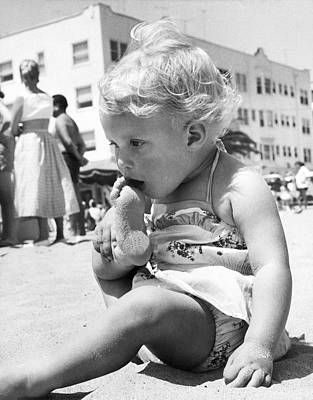 Photograph - Sandy Toes For Lunch by Underwood Archives
