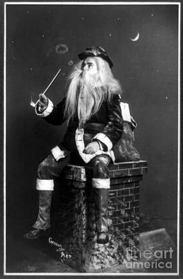 Photograph - Santa Claus 1900 by Photo Researchers