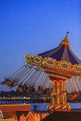 Amusement Park Photograph - Santa Cruz Seaswing And The Pier 3 by Scott Campbell