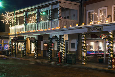 Photograph - Santa Fe Plaza At Christmas by Dave Dilli