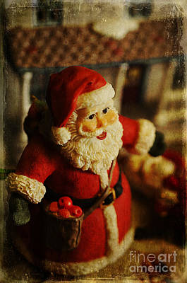 Photograph - Santa Love by Terry Rowe