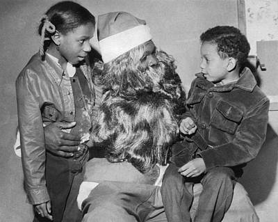 Enjoyment Photograph - Santa With Children On His Lap by Underwood Archives
