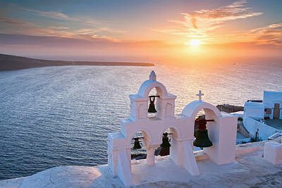 Santorini Sunset Art Print by Evgeni Dinev