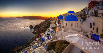 Photograph - Santorini Sunset by Yhun Suarez