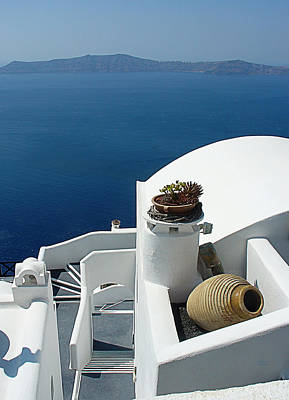 Stone Planter Photograph - Santorini Welcome by Julie Palencia
