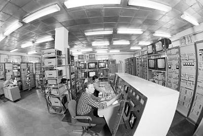 Comsats Photograph - Satellite Control Room, 1980 by Science Photo Library