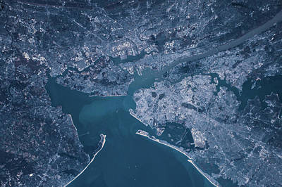Bight Colors Photograph - Satellite View Of Manhattan by Panoramic Images