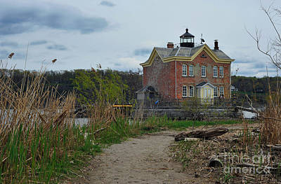 Saugerties Lighthouse On The Hudson River Art Print