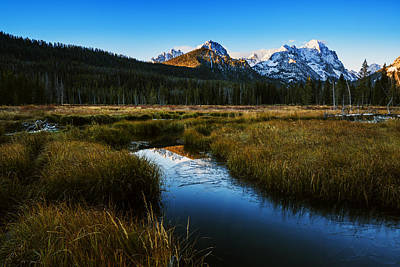 Ice In Water Photograph - Sawtooth Mountain Cold Morning by Vishwanath Bhat