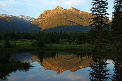 Photograph - Sawtooth Mountain Reflection by Daniel Woodrum