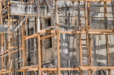 Photograph - Scaffolding Havana Cuba by Rob Huntley