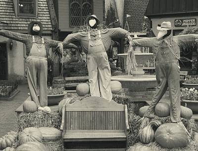 Tennessee Hay Bales Photograph - Scarecrows In Autumn Gatlinburg Tennessee by Dan Sproul