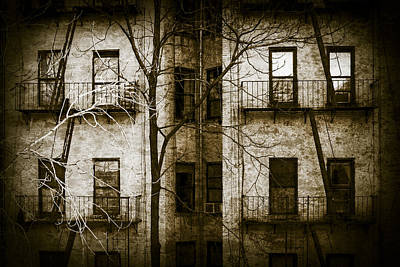 Horror Movies Photograph - Scary Apartment Building by Erin Cadigan