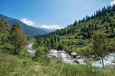 Photograph - Scenic Town Of Old Manali by Yew Kwang