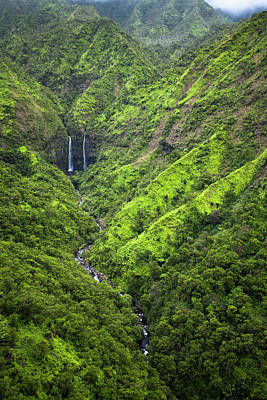 Scenic Views Of Kauai's Interior Rain Print by Micah Wright