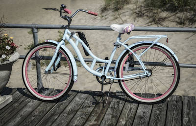 Photograph - Schwinn Beach Cruiser by Susan Candelario
