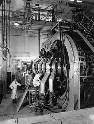 Fusion Photograph - Scientists Make Fusion Advance by Underwood Archives