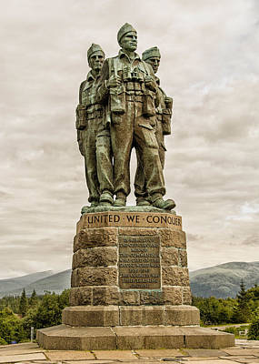 Photograph - Scotland Commando Memorial by Alan Toepfer