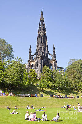 Photograph - Scott Monument Princes Street Gardens by Liz Leyden