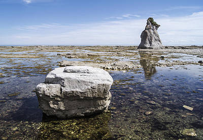 Photograph - Sculpted Rock On Naked Isld by Arkady Kunysz