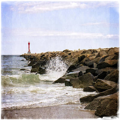 Photograph - Scusset Beach Splash by Frank Winters