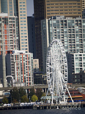 Photograph - Seattle Ferris Wheel by Brenda Kean