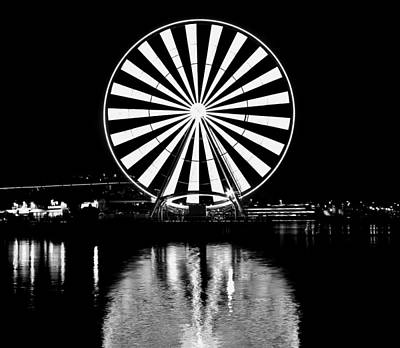 Photograph - Seattle Great Wheel Black And White by Benjamin Yeager